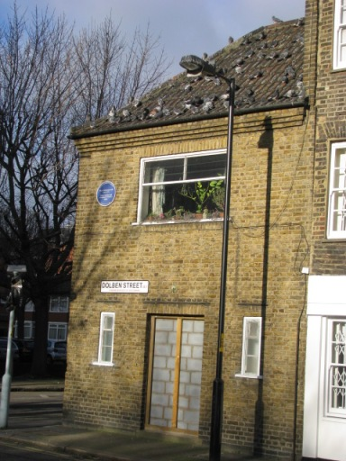 One of the these I love about London is that you always have to pay attention. This home may not look like much, but see the blue plaque. Mary Wollstonecraft lived here. She was a teacher, writer, advocate for women's rights and the mother of Mary Shelley, who wrote Frankenstein.