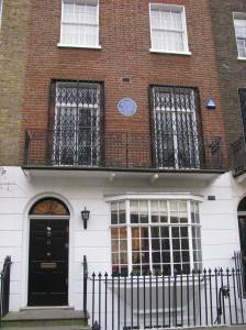 Francis Places, a political reformer, lived here from 1833-1851.