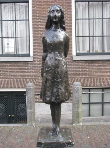 I love the simplistic beauty of this statue of Anne Frank.