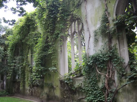 This garden was laid out following the damage to the church St. Dunstan in the East during the bombing in World War II. It's a wonderful place to stroll through and is open to the public.