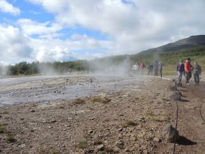 Oops, the geyser is on the left, not right